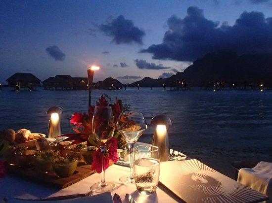 Four Seasons Resort Bora Bora: Romantic dinner by the beach