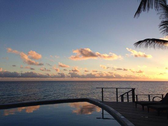 Hotel Maitai Rangiroa: Sunset