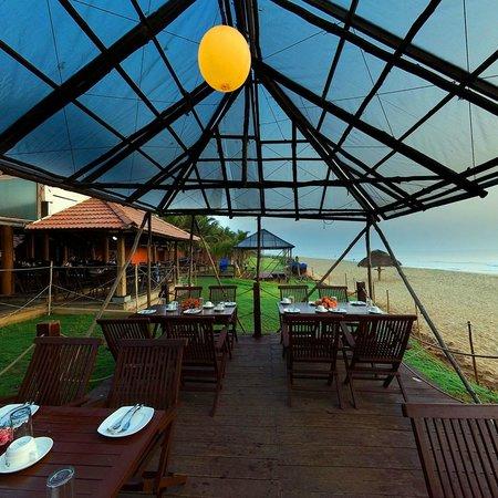 Sea crest restaurant bar chennai madras restaurant for Fish restaurant mgm
