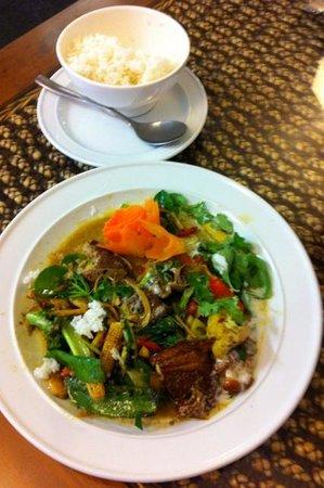 Suriyo Thai: Yellow duck curry was delicious