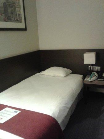 NH Amsterdam Schiller: Кровать (одноместный номер)