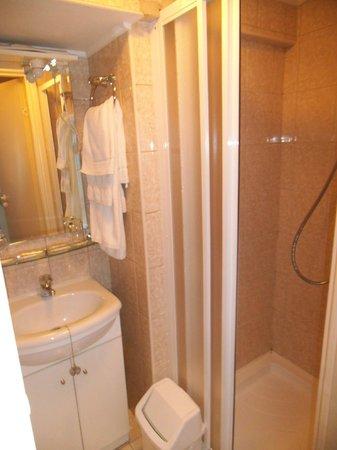 Forums Hotel: Bathroom