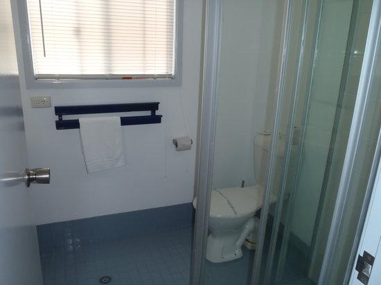 Coffs Coast Motor Inn & Villas: Villa Queen Bedroom
