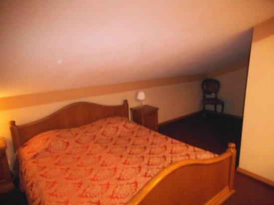 Forums Hotel: Bedroom in the loft