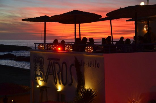 TAROS CAFE RESTAURANT : Coucher de soleil