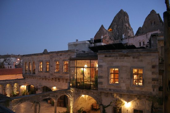 Cappadocia Cave Suites: View of the restaurant