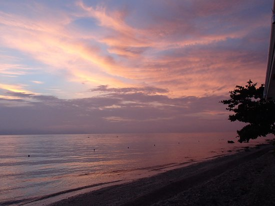 Sogod Bay Scuba Resort: Sunrise