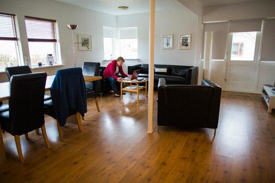 Like Vik Guesthouse: living room area at Like Vik