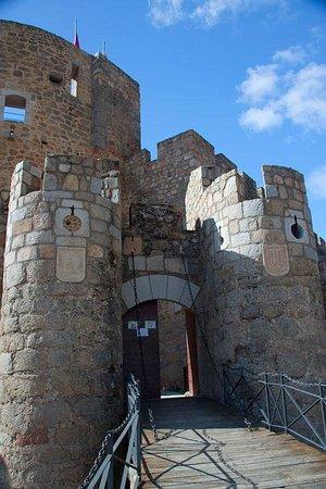 Castillo de La Adrada: Bastión de entrada