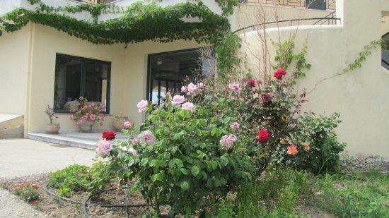 Coralli Hotel: Main Entrance
