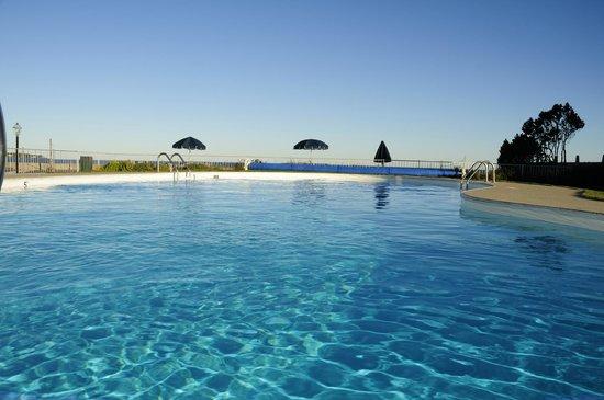 Royal Anchor Resort : heated pool front sea