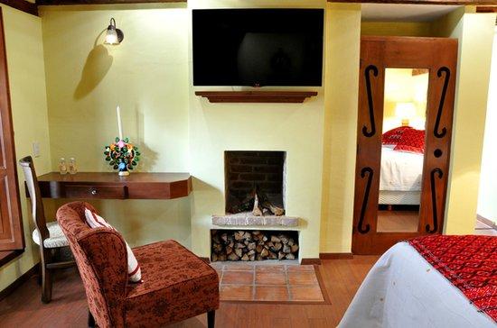 Casa Santa Lucia: Todas las habitaciones tienen TV de pantalla plana con canales de cable