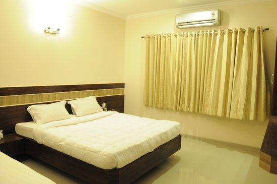 Hotel Saipancham
