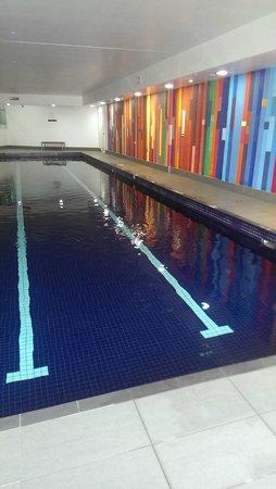 Meriton Suites Campbell Street, Sydney: Pool