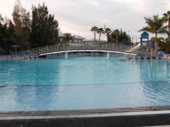 THB Tropical Island: Lovely pool