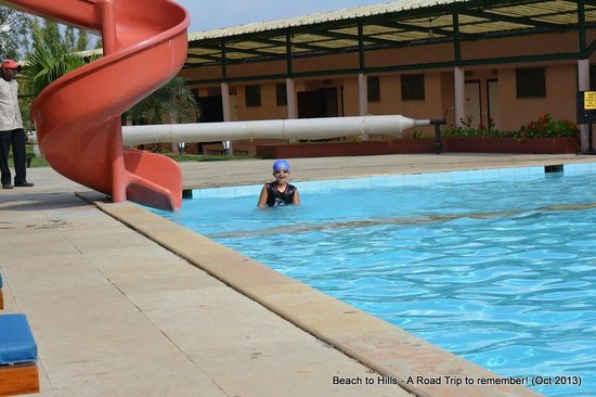 Brightland Resort & Spa: pool side