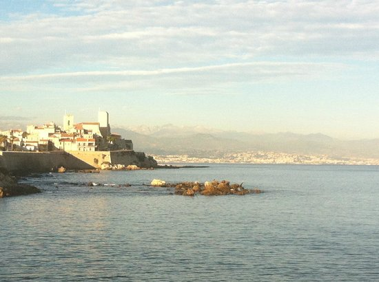 Royal Antibes Hotel, Residence, Beach & Spa: Antibes from across the street