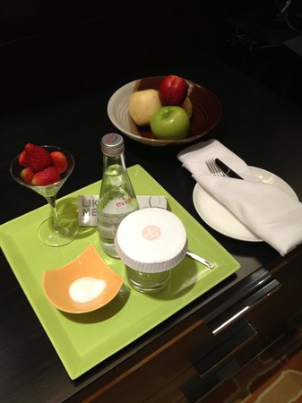 Langham Place, Beijing Capital Airport: Welcome Amenity