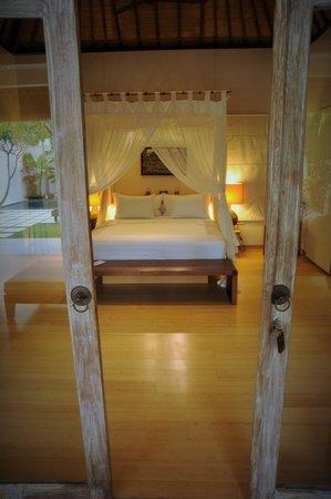 Villa Bali Asri Batubelig: Villa 5 bedroom entry