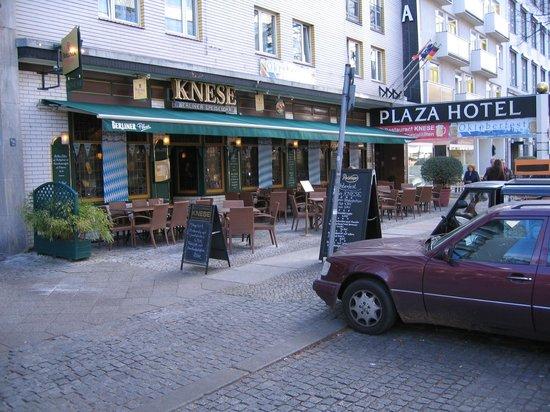 Berlin Plaza Hotel: Knese