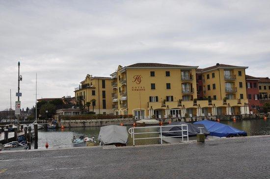 Hotel Sirmione: вид отеля