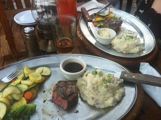 Saddle Ranch Chop House : yummy