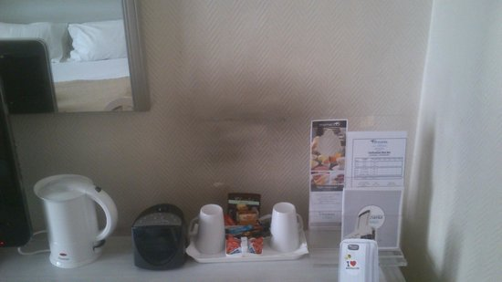 Hotel Oceania Le Métropole : mur de chambre