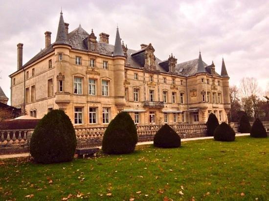 Chateau des Monthairons : Superbe hôtel ou le dépaysement est garanti. Très bon acceuil et service parfait. Excellent rest