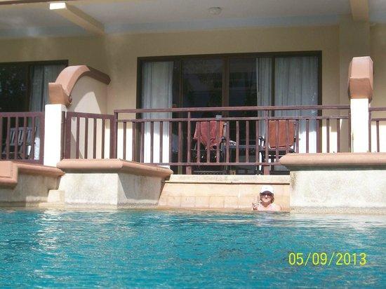 Krabi La Playa Resort : Pool side Jacuzzi room