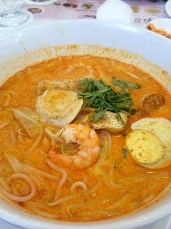 Re!Fill Restaurant: Signature Laksa with Abalone, Scallop..