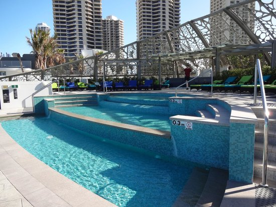 Peppers Soul Surfers Paradise : Outdoor Pool