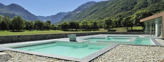 Genos, France: Bains Japonais