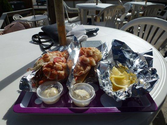 Red's Eats : 2 lobster rolls 36 $