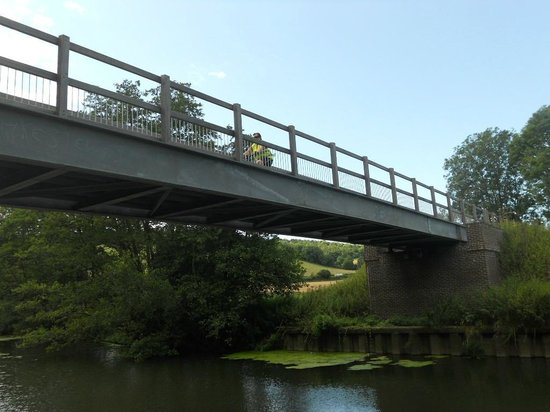 eSpoke cyclevents ltd.: Cyclists bridge over the river Stour