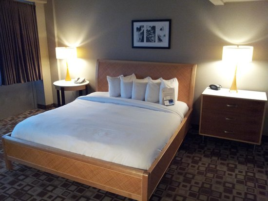 State House Inn: Bed