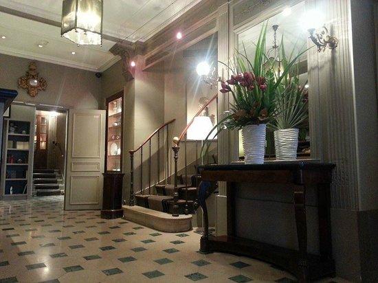 Hôtel Louison : Reception Area