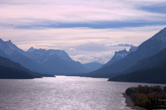 Waterton Lakes Lodge Resort: up at the top of the mnt