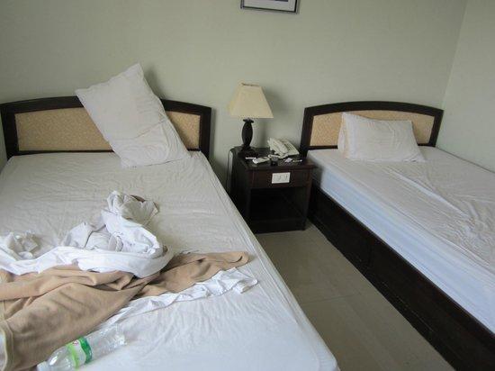 Heuang Chaleun Hotel : Beds