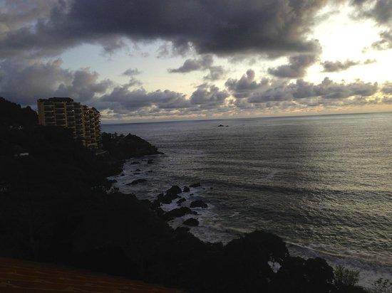 Las Brisas Ixtapa: Spectacular oceanfront