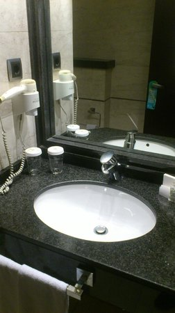 Hotel Sevilla Center: sink