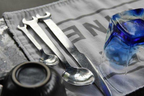 The Slate : breakfast table