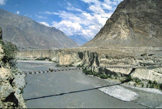 Karakoram Highway: Lungo la strada 12