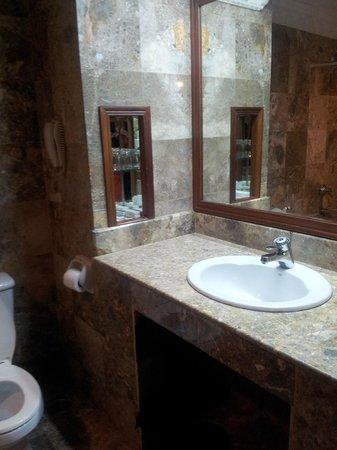 New Angkorland Hotel : Bathroom