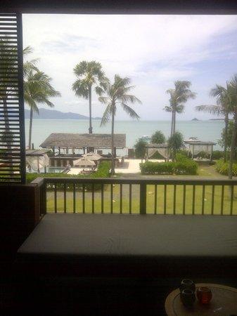 Hansar Samui Resort: the bar and sit out