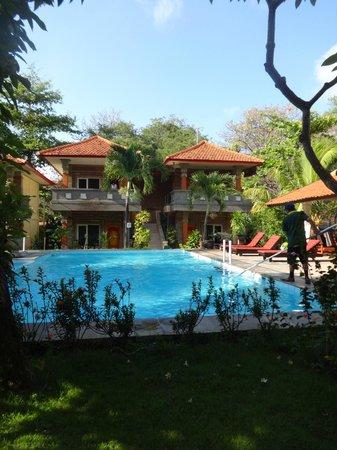 Melasti Kuta Bungalows and Spa : pool