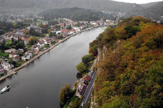 Le Belvedere: Le belvedere Lustin