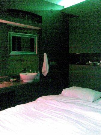 Noble House Galata: Black room