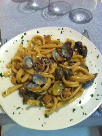 Osteria Benaco: Strozzapreti vongole e porcini