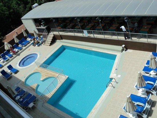 Side Miami Beach Hotel : вид из номера на бассейн