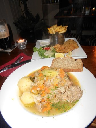 Eviston House Hotel : An average stew and a good fish and chips